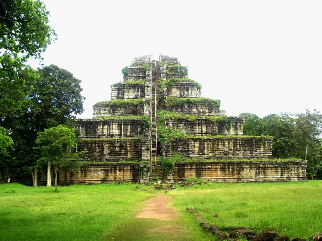 Excursions to the grand temples of Cambodia