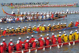 Cambodia-water-festival-Boat-Racing
